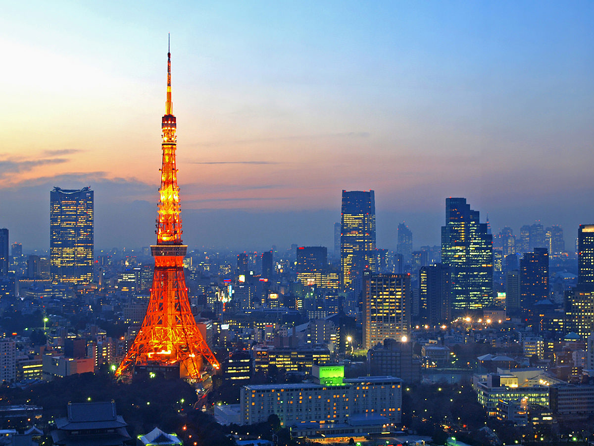 Tokyo tower, the symbol of Showa period and the recovery from the war