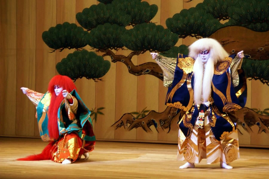 an overview of kabuki a japanese theater form Kabuki (歌舞伎) is classical japanese dance-drama, known for the elaborate make-up worn by some of its all-male performers kabuki was inscribed on the unesco.