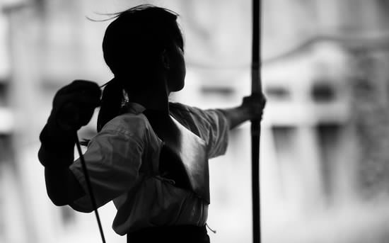 kyudo with woman player